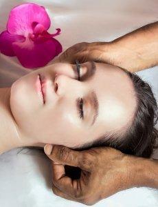 Pyramid Holistic Centre | Massage Therapy, Indian head massage